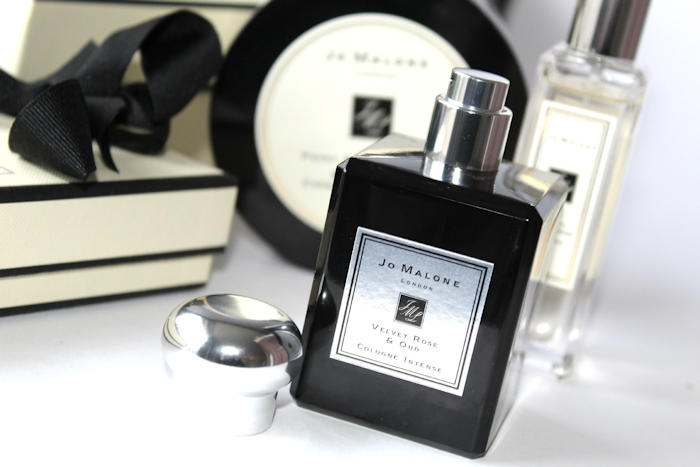 review jo malone velvet rose oud. Black Bedroom Furniture Sets. Home Design Ideas